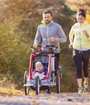 Rodinná športová vychádzka v prírode